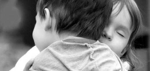 Children_Hugging1